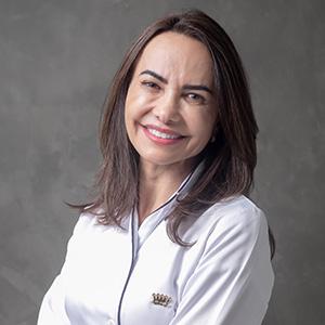 DRA TANIA PEREIRA DE AMORIM CRO: 102.829 - Especialista em Implantes Dentários, Protocolo All on four e Carga Imediata